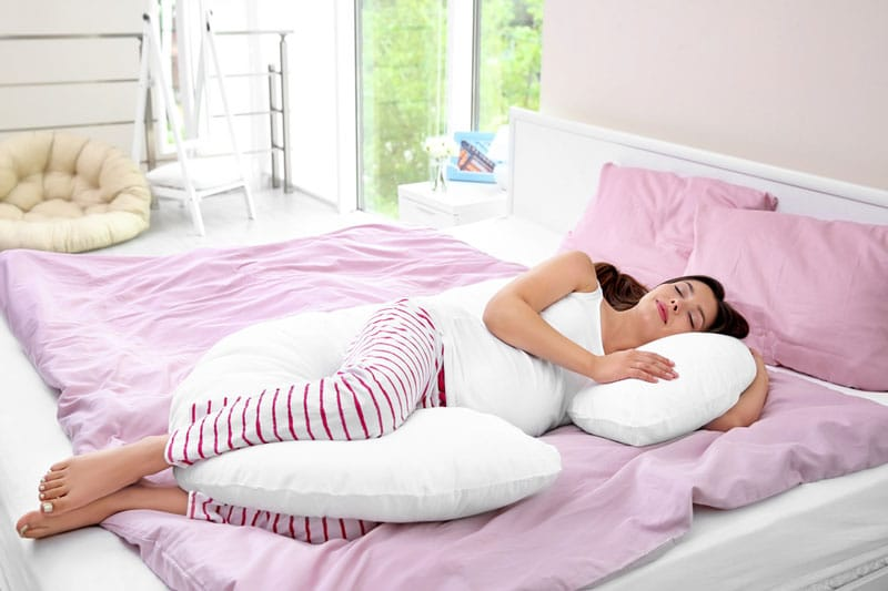Best Pregnancy Pillow on Amazon - [Review & Buyer's Guide]